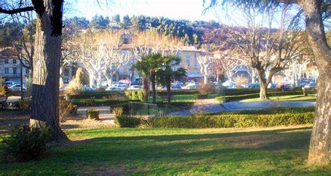 jardin public le jardin public d apt dans le luberon en provence