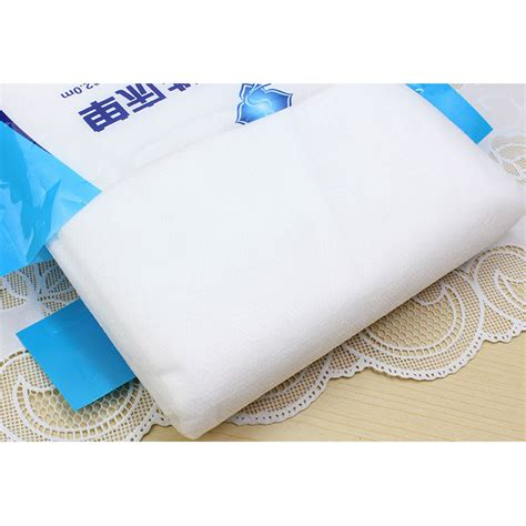 travel hygienic disposable quilt 220 x 200 cm selimut white jakartanotebook