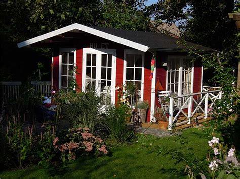 gartenhaus wohnen gartenhaus schwedischer stil loopele