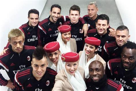 fly emirates  ig  milan szponzora