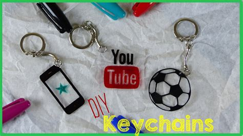 How To Make A Paper Keychain - diy crafts how to make a keychain