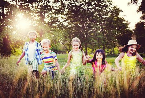 Backyard Play Scientifically Backed Benefits Of Outdoor Play