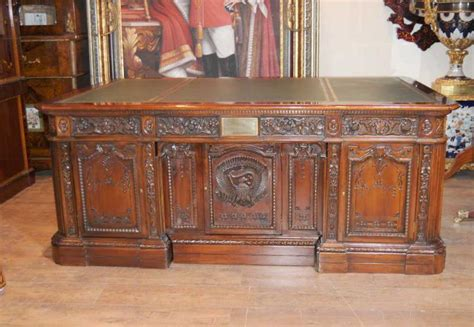 scrivania resolute american presidents desks resolute desk