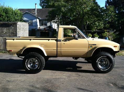 1980 Toyota 4x4 1980 Toyota New Tires Pirate4x4 4x4 And Road Forum
