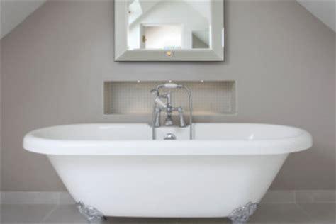 Kratzer Emaille Badewanne Entfernen by Die Badewanne Ist Zerkratzt So K 246 Nnten Sie Die Kratzer