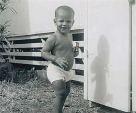 Early Life Of Barack Obama Biography | barack obama salary net worth car house wiki height
