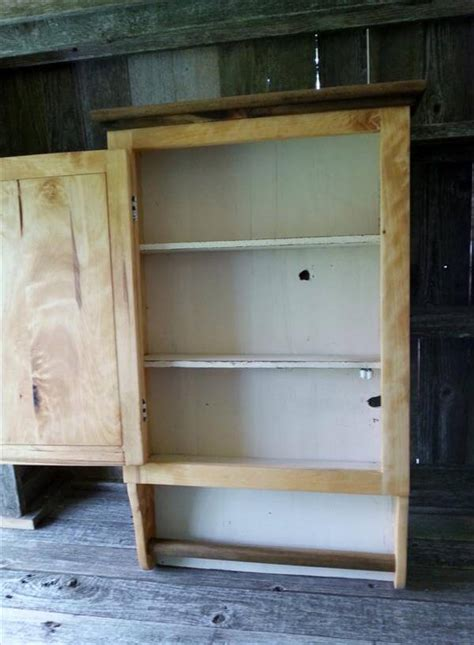 Pallet Bathroom Wall Cabinet With Towel Rack Pallet Diy Bathroom Wall Cabinet