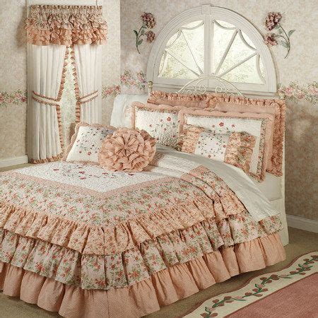Ruffle Bed Set 25 Best Ideas About Ruffle Bedspread On Vintage Bedding Gray Bedding And Grey