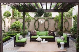 Backyard Wall Decorating Ideas 10 Fantastic Ideas For Decorating Your Patio Or Garden