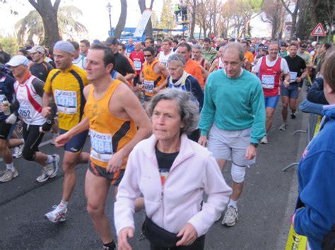 alimentazione preparazione maratona consigli per impostare la maratona santucci running