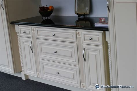 vanilla cream kitchen cabinets cream maple glaze french vanilla rta kitchen cabinets