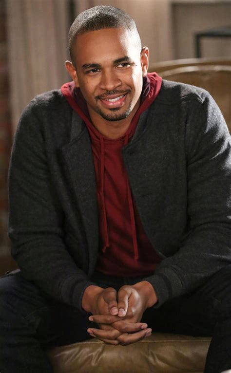 damon wayans jr new girl damon wayans jr s coach stays on new girl for the rest
