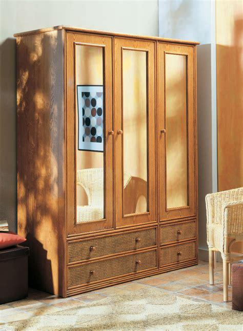 armoire trois portes coulissantes armoire trois portes en rotin brin d ouest