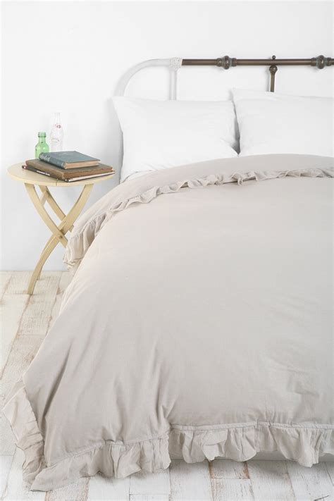 piubelle bedding edge ruffle duvet cover urban outfitters