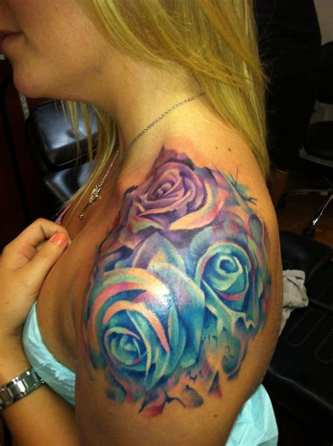 watercolor tattoo girl watercolor roses on shoulder for