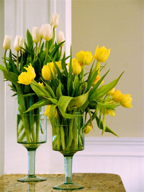 Flower Arrangements In Vase by Fantastic Vase Flower Arrangements Hgtv