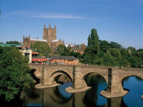 houses to buy in hereford sell your house fast in hereford free property valuation