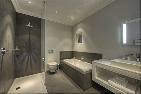 hotel bathroom ideas small hotel bathroom design peenmedia
