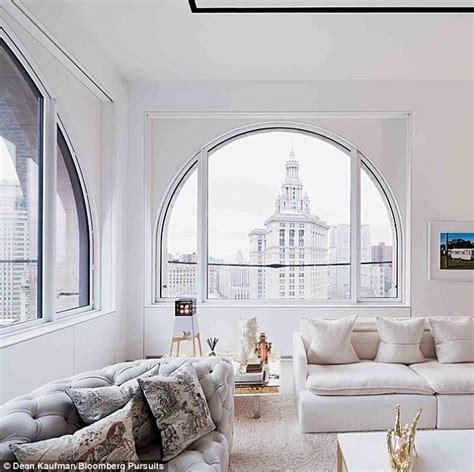 Living Room Nyc Financial District Playground For The Rich New York City