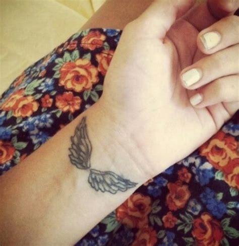 angel tattoo piercing angel wings tattoos piercings pinterest angel