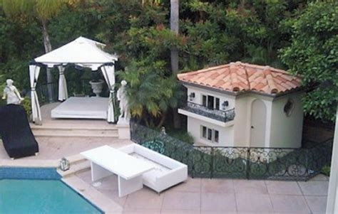 real dog house amazing dog houses rich dogs should have a nice home to love in too beverly hills