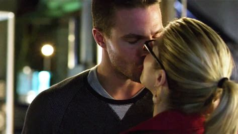 by felicity thistlethwaite felicity thistlethwaite published 13 13 wed oliver dreams about felicity kiss 3x11 youtube