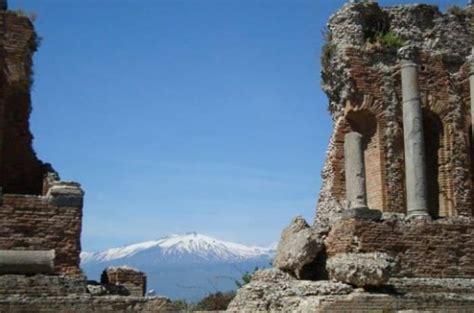da giardini naxos a taormina arrivano i greci da taormina a giardini naxos