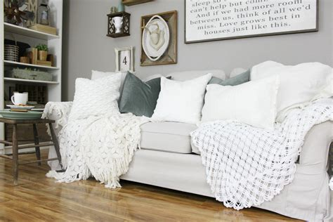 How To Decorate With Pillows by How To Add Pops Of Color To Neutral Decor An Inspired Nest
