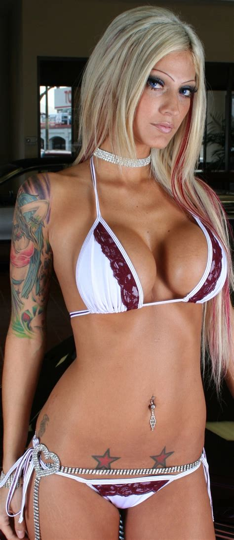 hot queen tattoo esther hanuka sexy babe tattoo queen image gallery