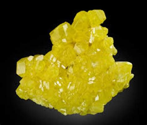 sulfur color 10 interesting sulfur facts my interesting facts