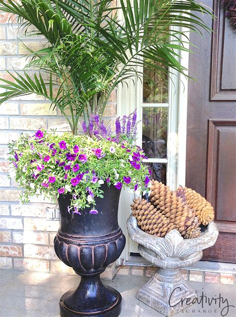 Pots In Gardens Ideas Creative Garden Container Pot Combinations And Tips