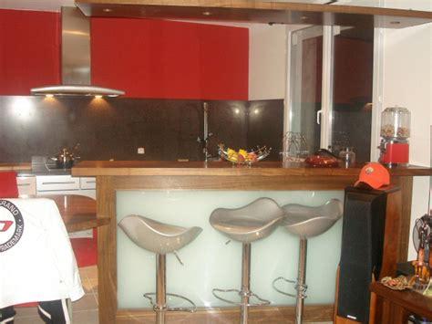 bar a cuisine r 233 alisation sur mesure de bar et comptoirs en bois pour