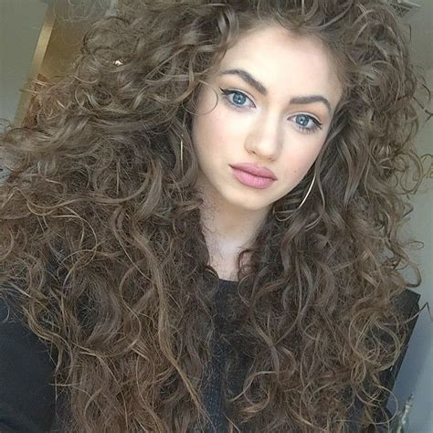 wiki frizzy hair 25 best ideas about white afro on pinterest african