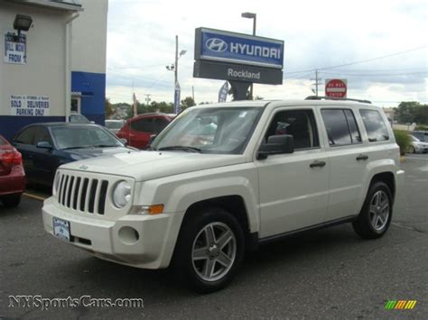 white jeep patriot 2008 2008 jeep patriot sport 4x4 in stone white clearcoat