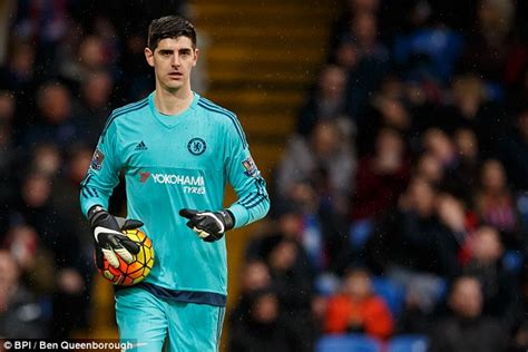 chelsea keeper chelsea keeper thibaut courtois fires warning shot to his