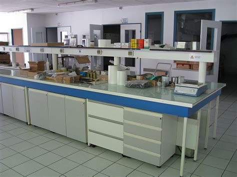 types of laboratory benches file laboratory bench jpg wikimedia commons