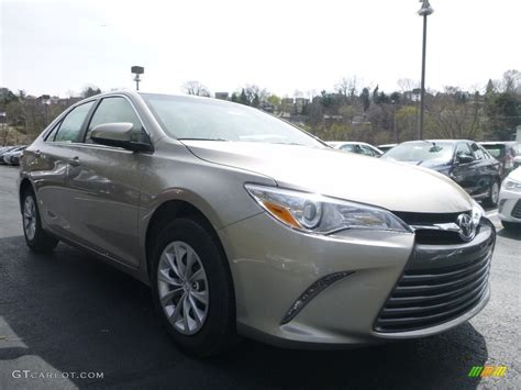 Toyota Camry Creme Brulee 2017 Creme Brulee Mica Toyota Camry Le 119771821 Photo