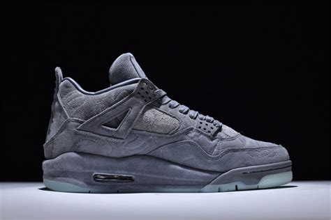 Nike Kaws X Air 4 Cool Grey by Kaws X Nike Air 4 Retro Quot Cool Grey Quot Glow In The Outsole Sole Look