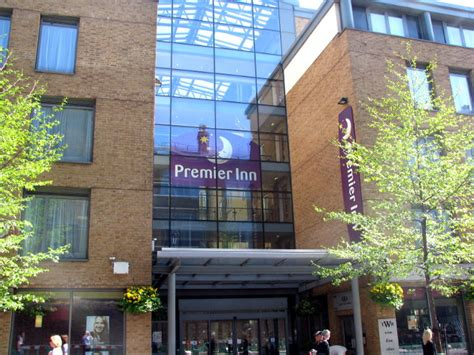 premmier inn premier inn hotel cross rooms rates photos