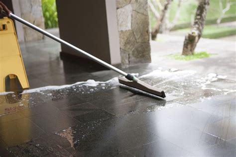 Floor Polishing by Floor Cleaning And Polishing Bedford Cleaning