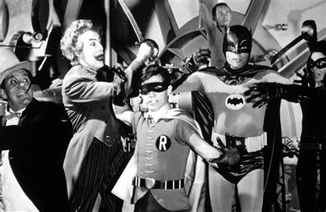 supereroi per caso le disavventure di batman e robin 200 morto adam west il primo batman della tv tv sorrisi e