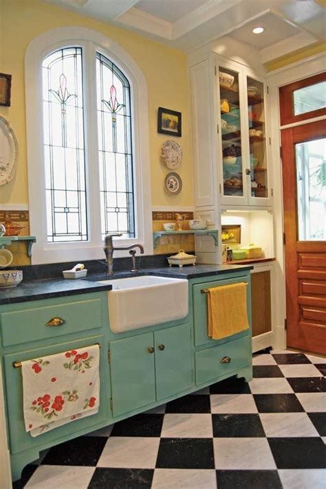 antique kitchens ideas best 25 vintage kitchen cabinets ideas on pinterest