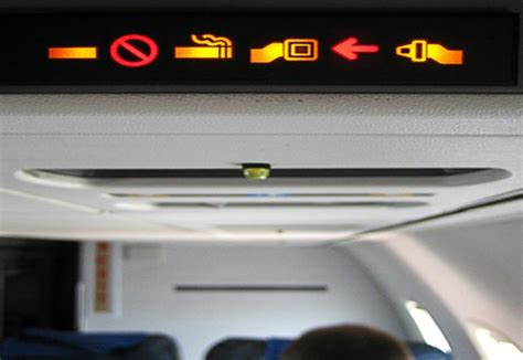No Smoking Sign On Plane | how to beat nicotine cravings when you travelveppo vaping