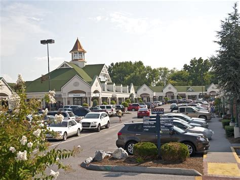 Cabin Mall Stores by Gatlinburg And Pigeon Forge Outlets Smoky Mountain Shopping