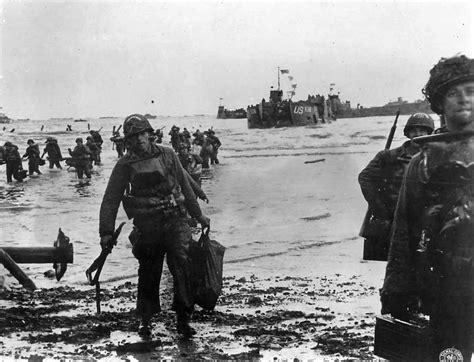 d day beach assault troops 1472819462 us assault troops landing on utah beach on d day world war photos