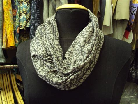 so zo tutorial how to make a cowl neck scarf