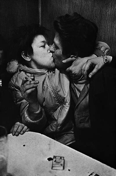 libro anders petersen photofile photo gallery the wild and crazy barflies of 1960s germany flavorwire