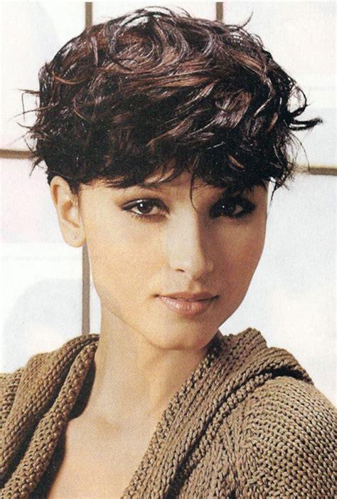 short wavy haircuts  women   short