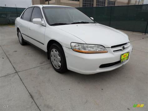 1998 honda accord white 1998 taffeta white honda accord lx sedan 61344805