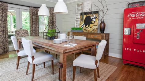 Simple and Stunning: 15 Farmhouse Dining Room Designs